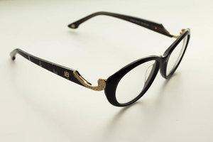Цена на очки в Туле – почему хорошая оптика стоит дорого?
