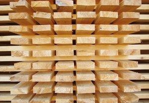 Обрезная доска со скидкой: успейте купить до конца месяца всего за 7900 руб/куб.