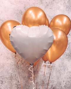 Фольгированные сердца в фонтане из воздушных шаров купить заказать в Череповце