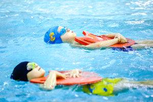 Помощь в обучении детей плаванию в Вологде