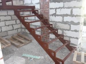 Металлическая лестница за три дня!