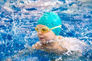 Активные занятия в бассейне в Вологде