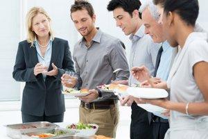Готовая еда – выбор «умного» коллектива