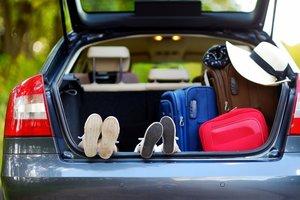 Актуальная летом тема:в отпуск на автомобиле.
