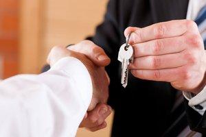 Купить трехкомнатную квартиру без посредников и переплат