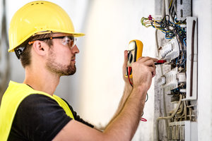 Проведение электротехнических работ в Вологде