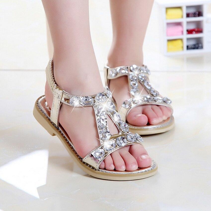 Красивая обувь для детей в Череповце