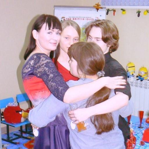 обнимайте близких и будьте рядом