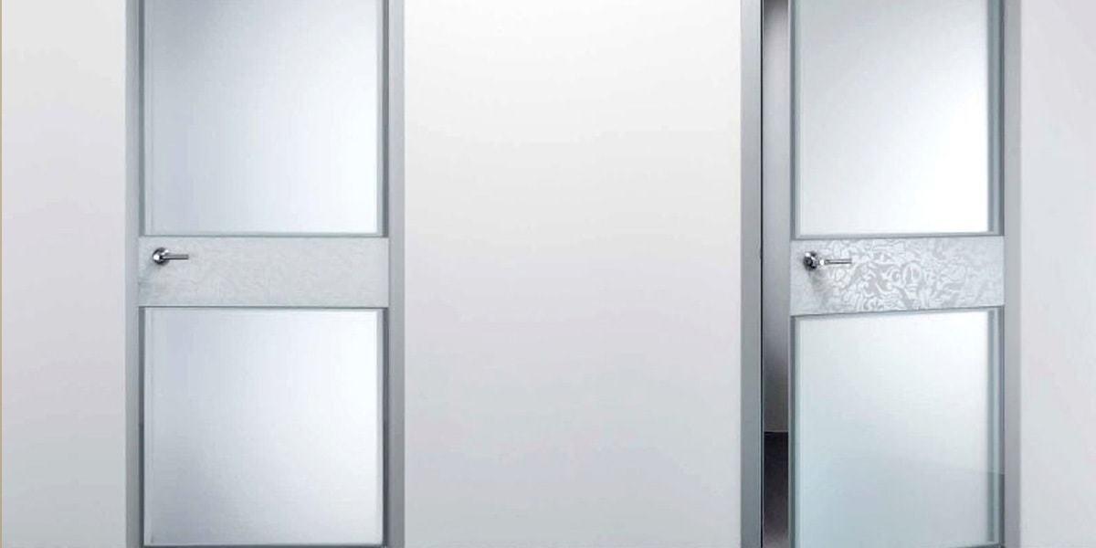 Алюминиевые двери в Красноярске по доступной цене