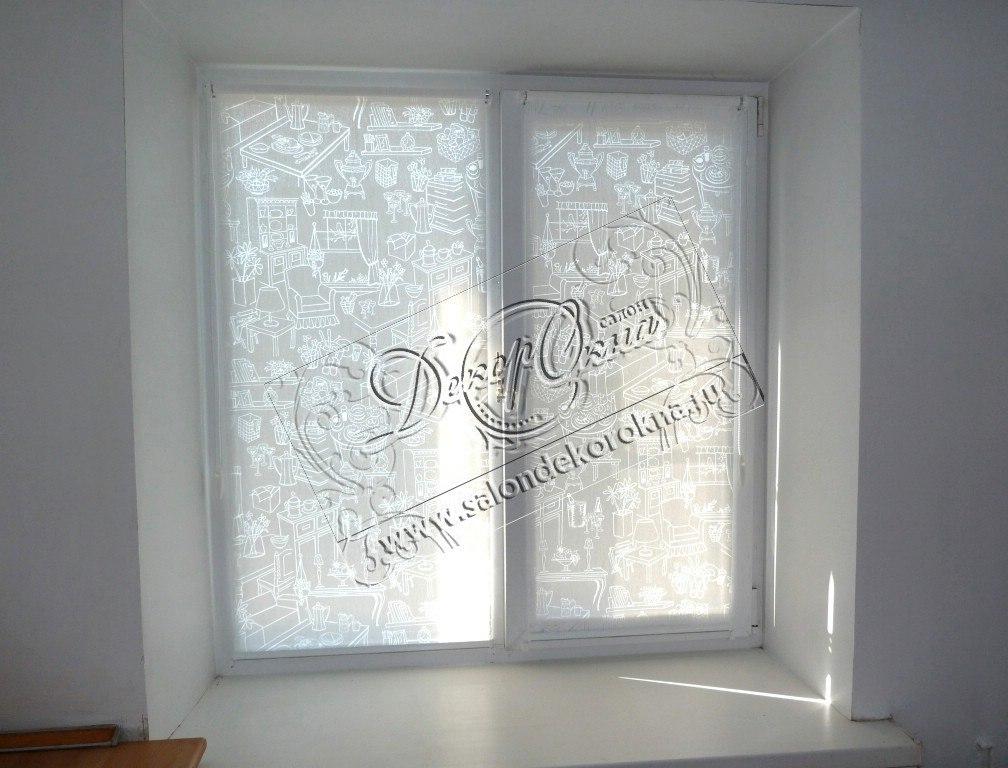Рулонные шторы из ткани с витражным эффектом для кухни