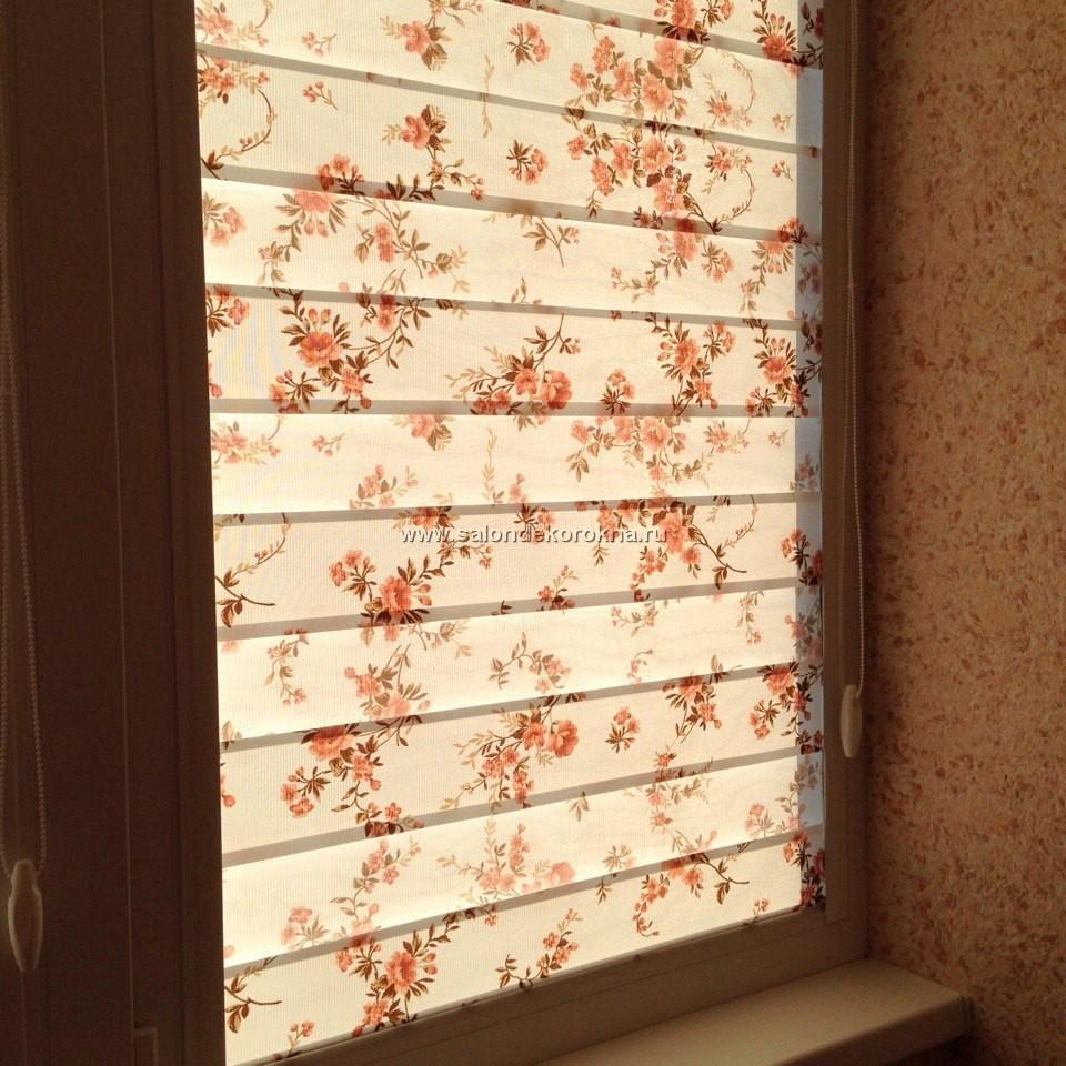 """Свежие фотографии наших работ с рулонными шторами """"Зебра"""" системы """"Уни"""", установленными на балкон"""
