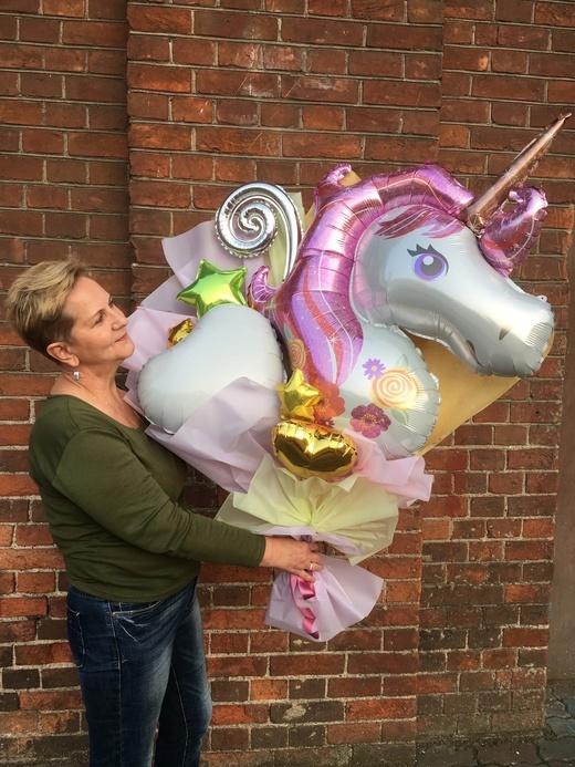Крафт букет из воздушных шаров с фольгированным шаром Единорог