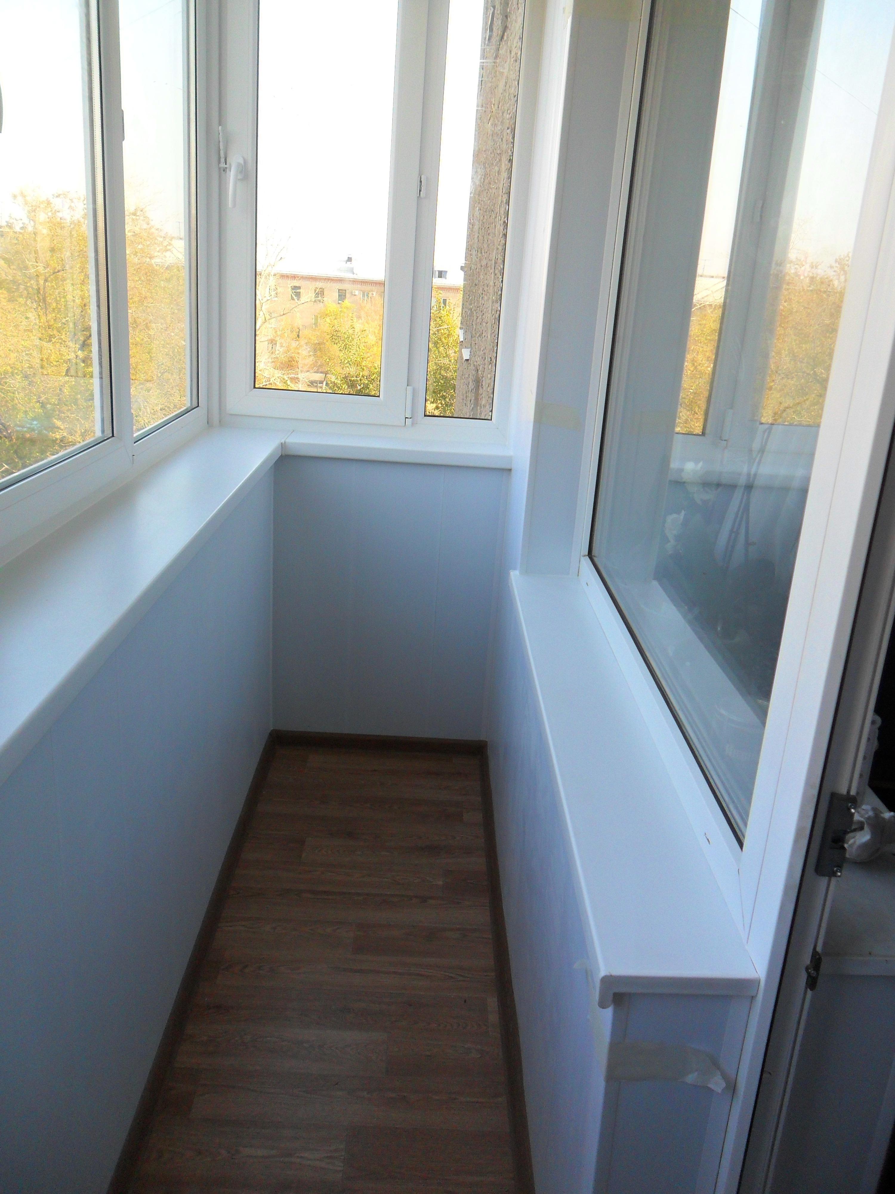 Остекление балконов и лоджий пластиковыми и алюминиевыми кон.