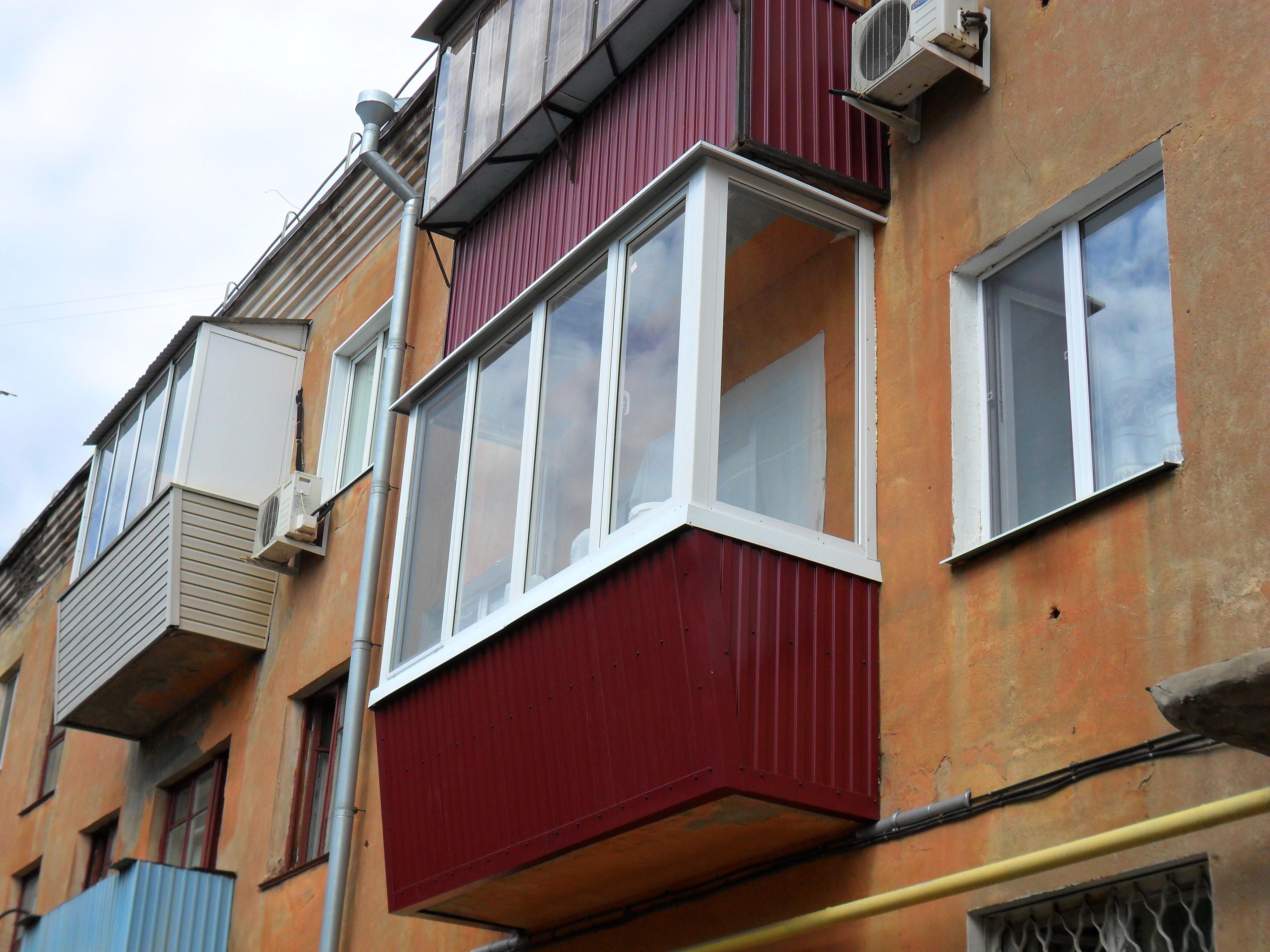 Требуется ли разрешение на остекление балкона..