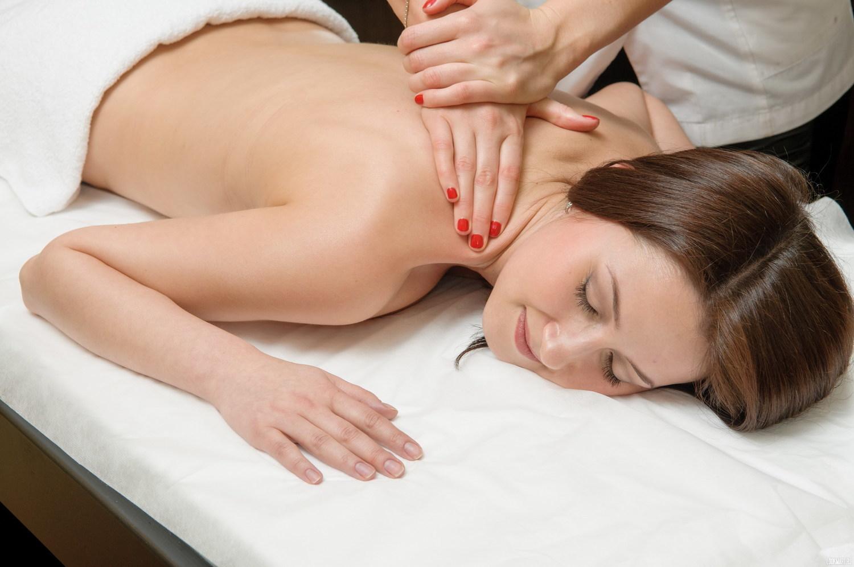 смотреть онлайн женский массаж мать